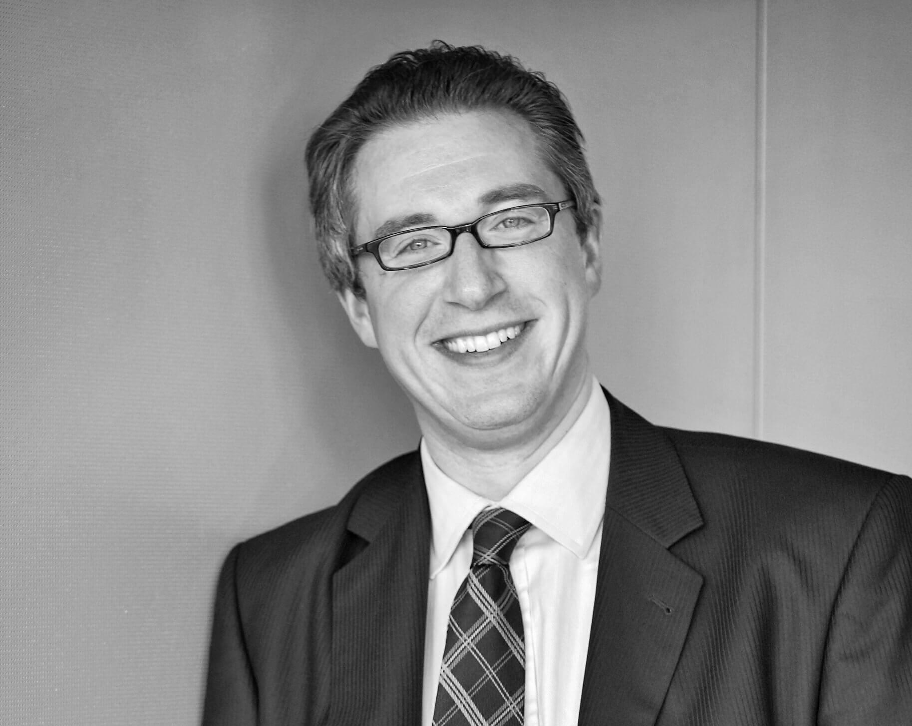 Dr. <span class='text-uppercase'>Christof Alexander Schneider</span>